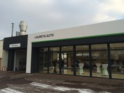 laureta_auto_showroom_02.jpg
