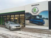 laureta_auto_showroom_03.jpg