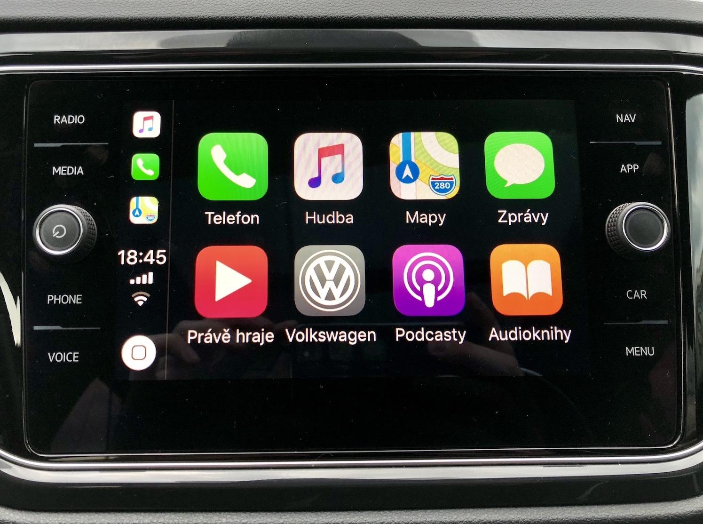 Úvodní obrazovka CarPlay