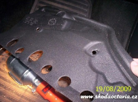 Výměna pylového filtru Škoda Octavia 3