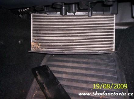 Výměna pylového filtru Škoda Octavia 5