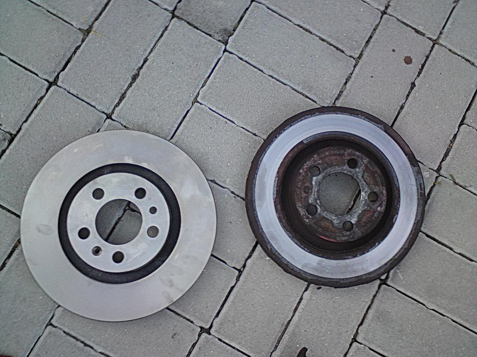 Porovnání starý a nový brzdový kotouč Škoda Octavia