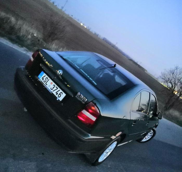 Škoda Octavia 1 člen Roman