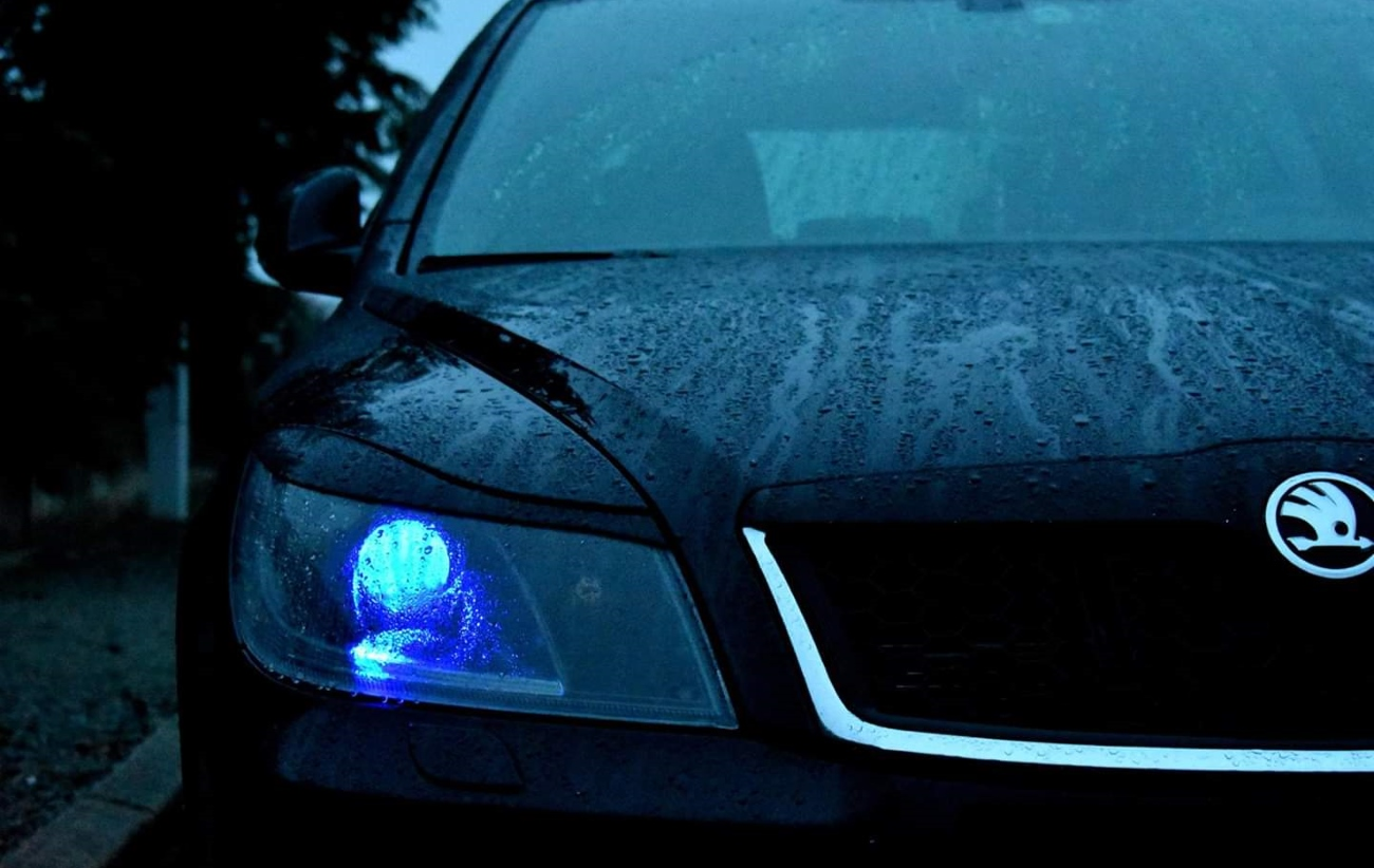 Škoda Octavia 2 RS černá barva světlomety